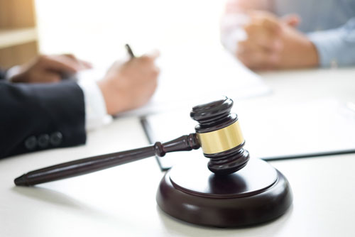 Who You Should Call for Criminal Defense Attorney?