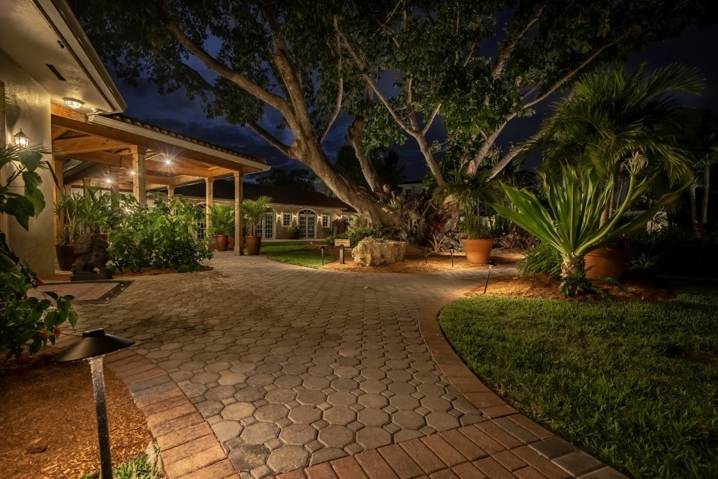 Tips to Consider when Buying LED Lights for your Landscape