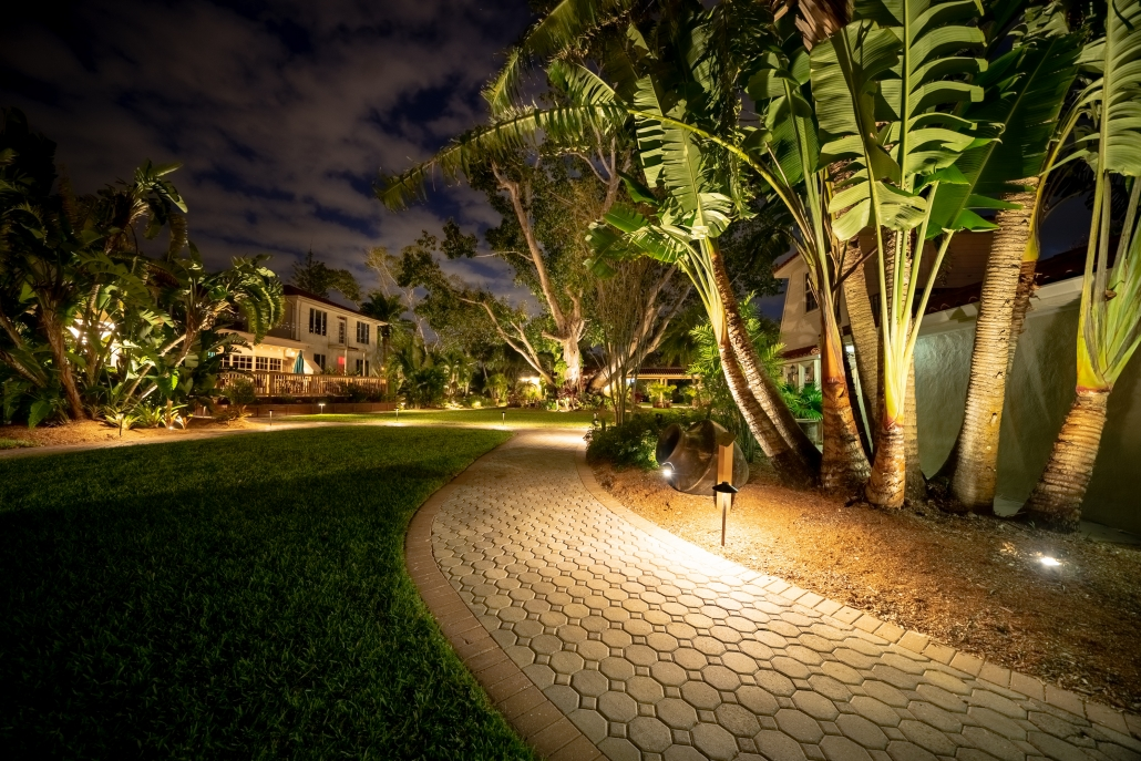 Helpful Ideas to Properly Maintain Landscape Lighting Systems