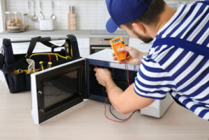 Microwave Oven Troubleshooting and Easy Repairs in Naples, Florida