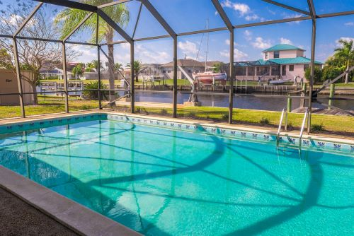 Benefits of Putting an Enclosure for Your Pool Safety in Naples, Florida