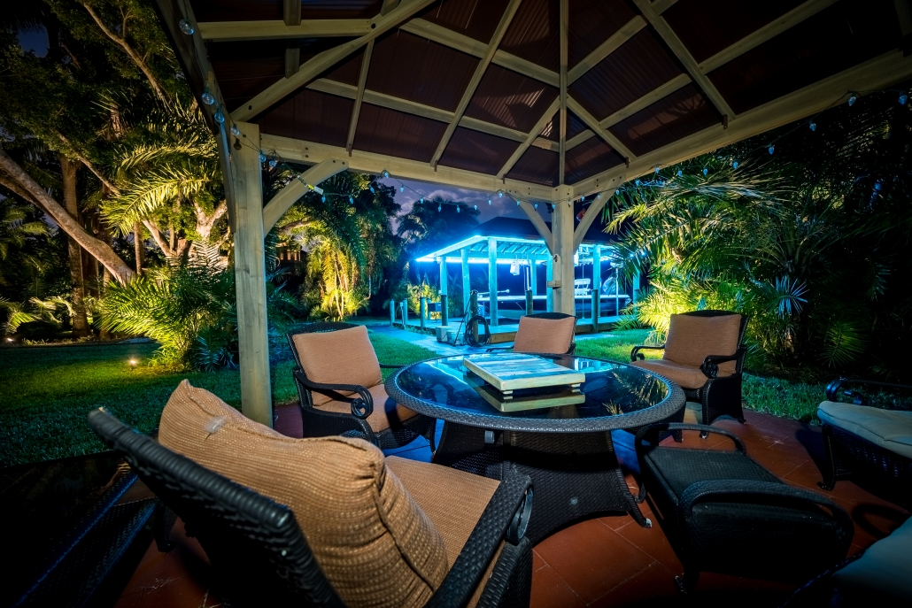 Avoiding Bad Outdoor Lighting Designs [The Secret to Achieving Timeless Style]